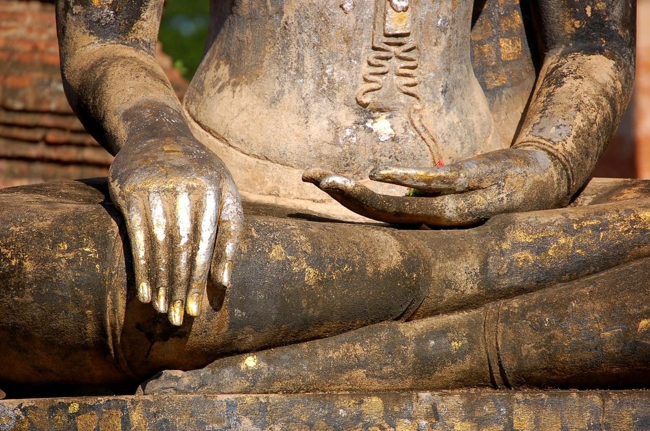hands-of-buddha-1441500-1278x847