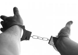 handcuffs-921290_1920